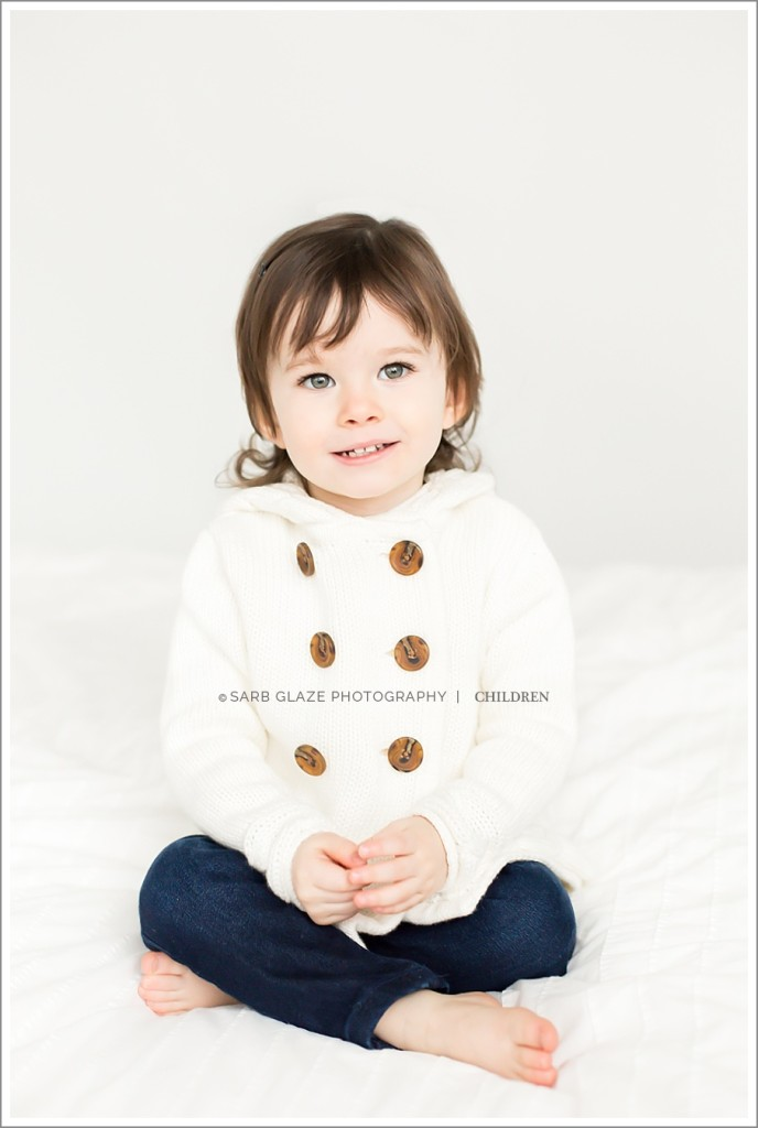 Holiday_Mini_Session_Short_Story_Christmas_Photography_Photographer_Vancouver_Natural_Light_Studio_Modern_Chic_Classic_0007