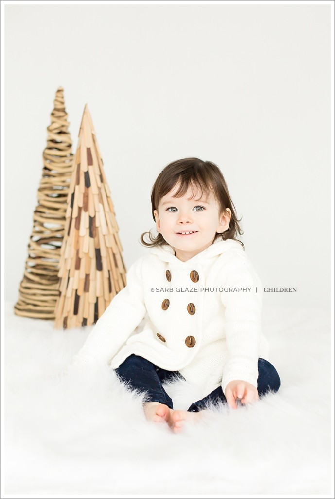 Holiday_Mini_Session_Short_Story_Christmas_Photography_Photographer_Vancouver_Natural_Light_Studio_Modern_Chic_Classic_0008