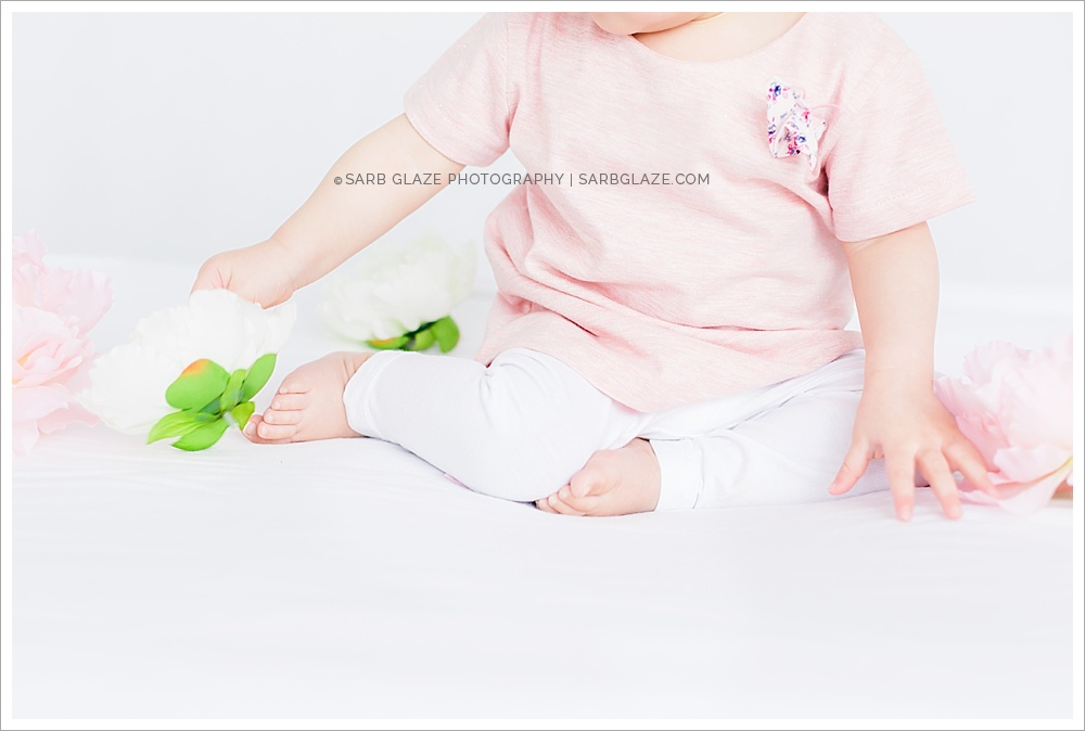 Mini_Session_Natural_Light_Studio_Modern_Upscale_Vancouver_Baby_Photography_0008