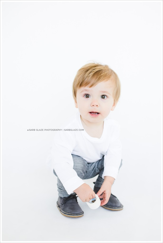 Evan_Christmas_Holiday_Mini_Session_Vancouver_Children's_Natural_Light_Studio_Portrait_Photographer_Modern__0005