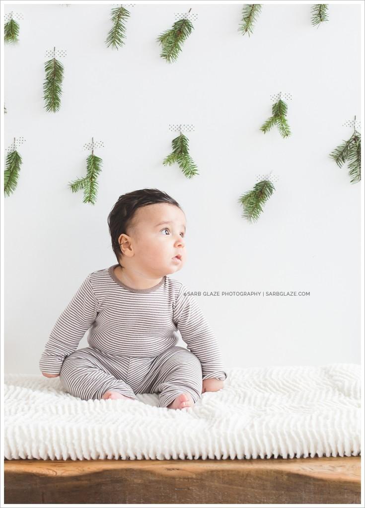 Mila_Christmas_Holiday_Mini_Session_Vancouver_Children's_Natural_Light_Studio_Portrait_Photographer_Modern_Clean_Simple_Fresh_0009