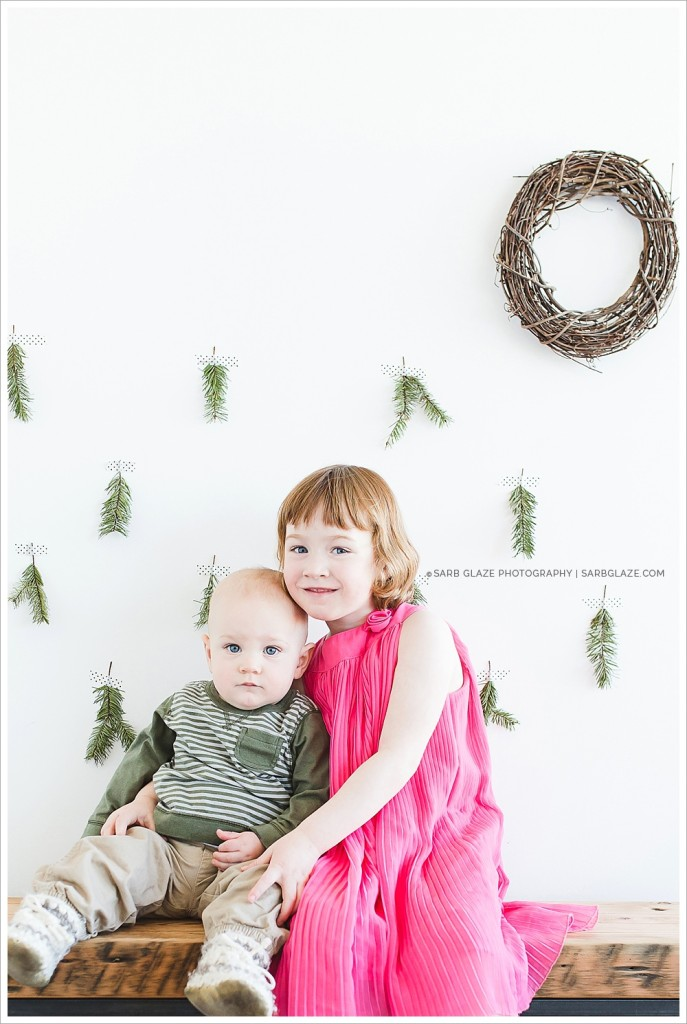 Suzanne Vardy_Christmas_Holiday_Mini_Session_Vancouver_Children's_Natural_Light_Studio_Portrait_Photographer_Modern__0014