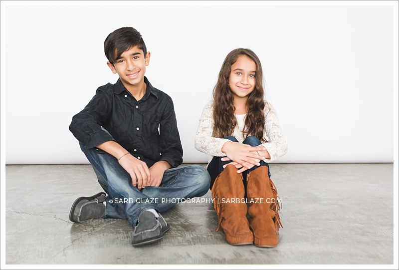 Vancouver_Siblings_Modern_Natural_Light_Portrait_Photography_Studio_Siblings_0011