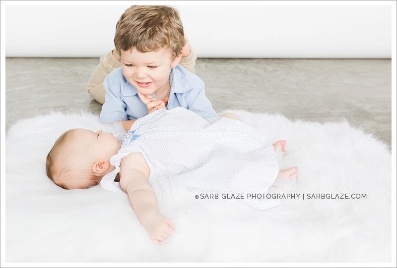 Vancouver_Modern_Portrait_Studio_Photographer_for_Hip_Children_Baby_Families_Mini_Session_Short_Story_0009