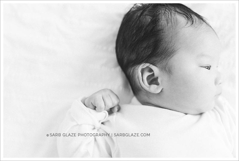 West_North_Vancouver_Newborn_Photographer_Family_Siblings_Studio_Portraits_Fresh_Clean_Modern_0003