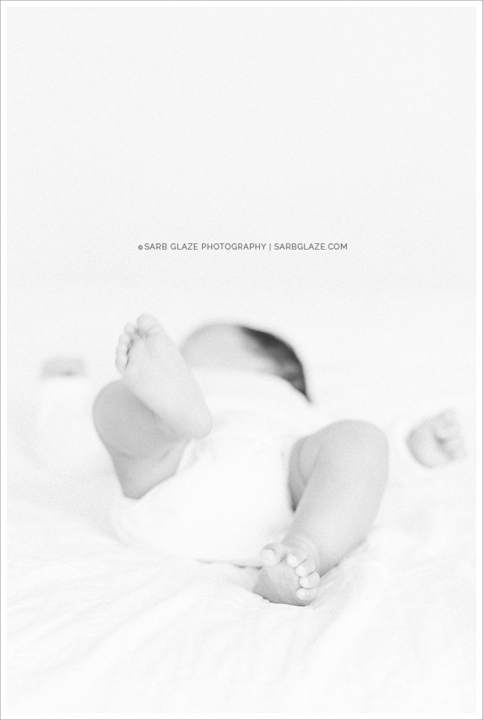 West_North_Vancouver_Newborn_Photographer_Family_Siblings_Studio_Portraits_Fresh_Clean_Modern_0004
