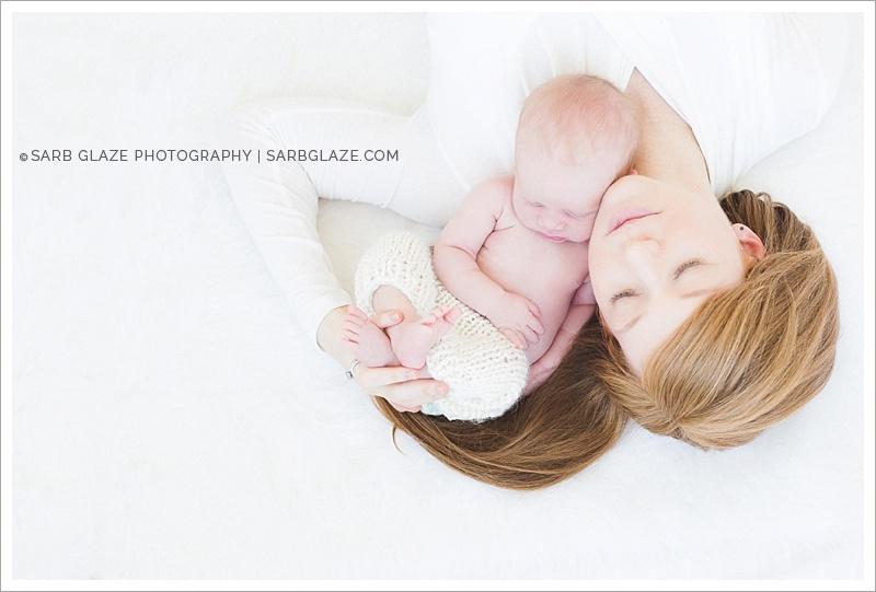Vancouver_Baby_Newborn_Photographer_Studio_Modern_Lifestyle_Natural_Bright_0010
