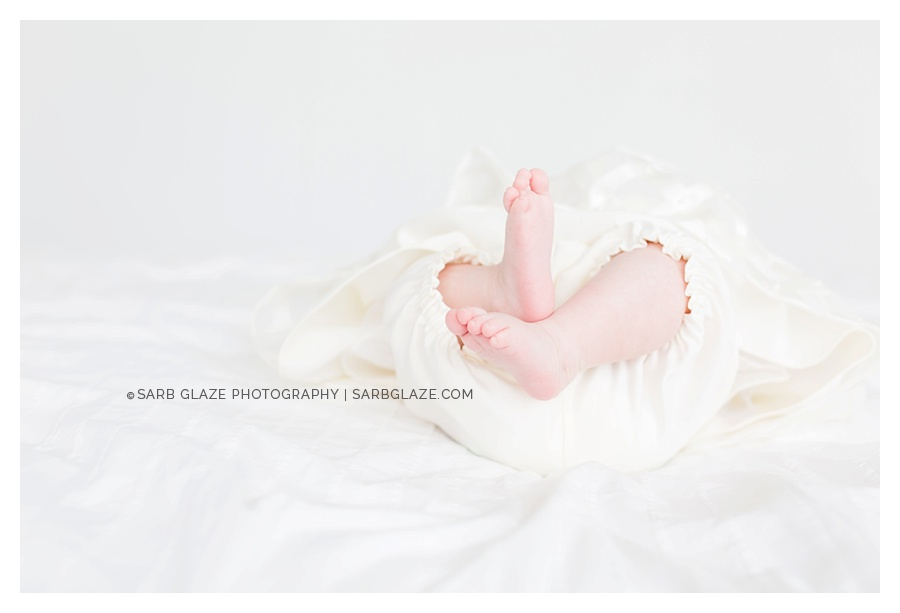 Vancouver_Baby_Portrait_Photography_Studio_Natural_Light_Fresh_Modern_Clean_Minimal_0006