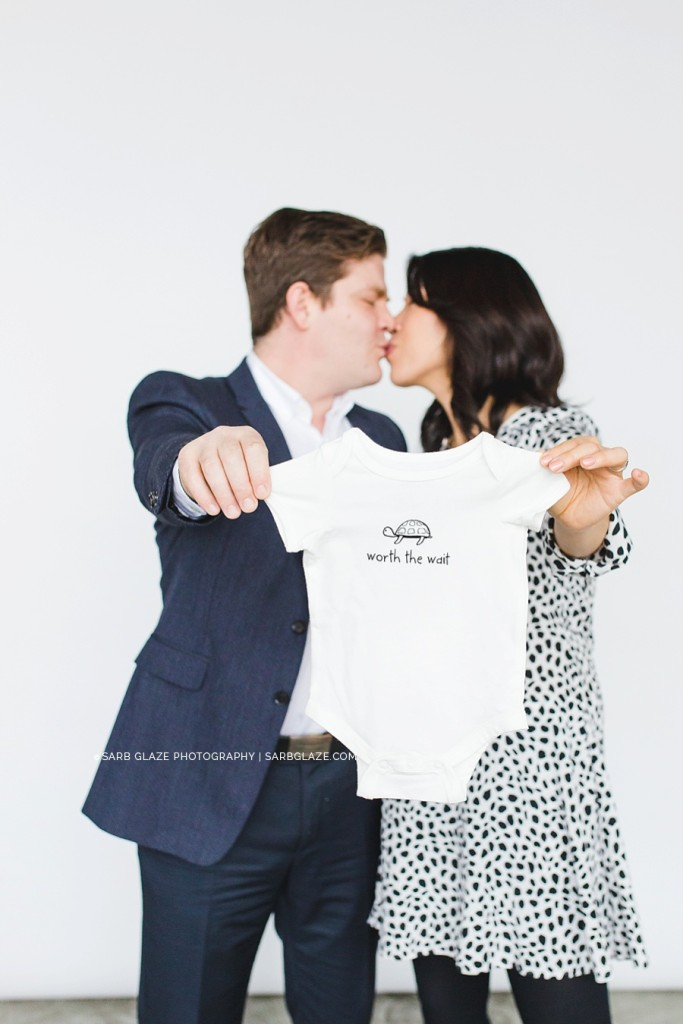 sarbglazephotography_maternity_mini_session_airy_modern_vancouver_photography_studio_0007