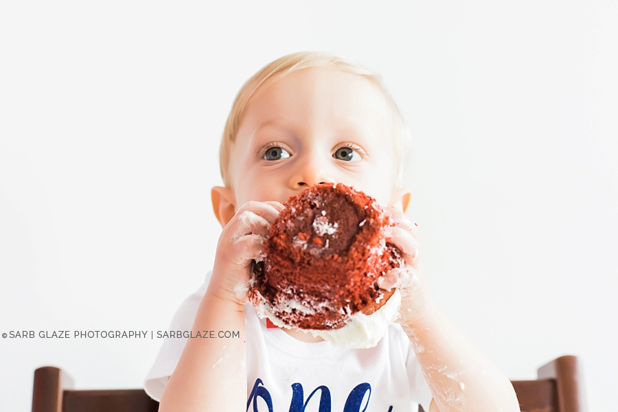 sarbglazephotography_vancouver_photography_studio_birthday_cake_smash_mini_session_0007