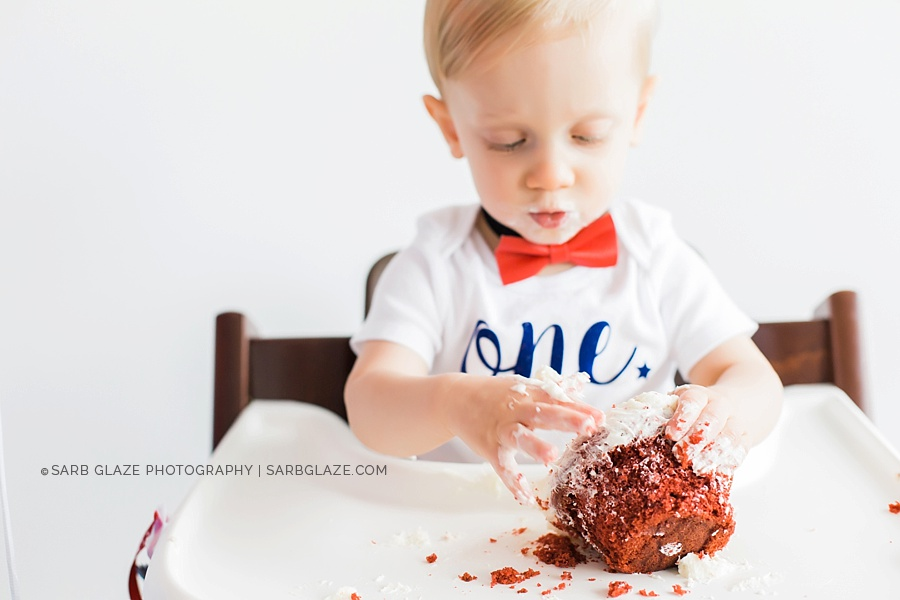 sarbglazephotography_vancouver_photography_studio_birthday_cake_smash_mini_session_0008