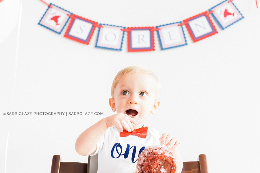 sarbglazephotography_vancouver_photography_studio_birthday_cake_smash_mini_session_0017