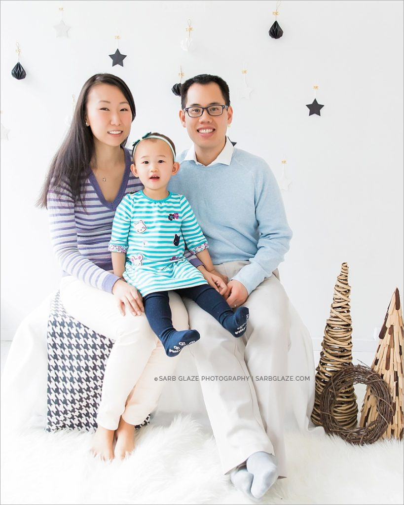 vancouver_natural_light_studio_christmas_holiday_photographer_modern_mini_session_0001