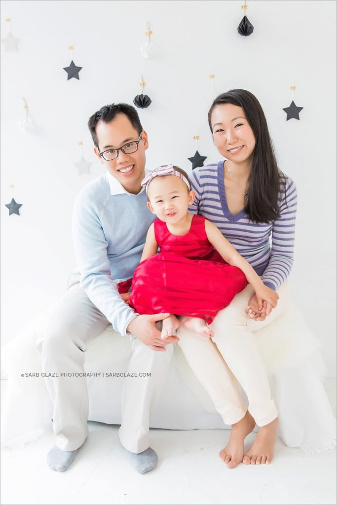 vancouver_natural_light_studio_christmas_holiday_photographer_modern_mini_session_0006
