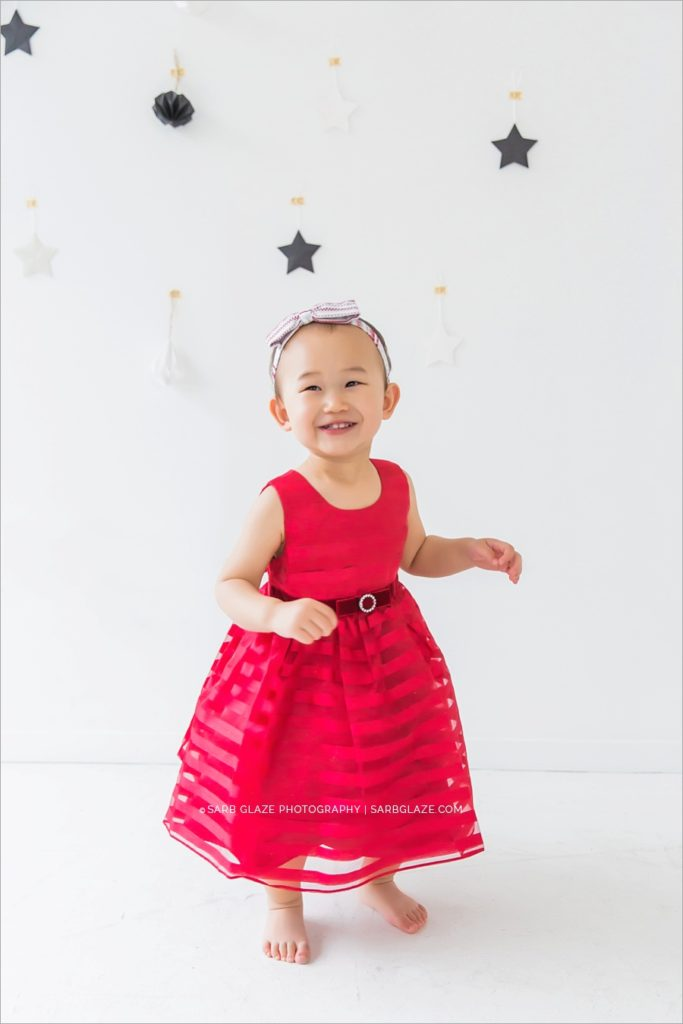 vancouver_natural_light_studio_christmas_holiday_photographer_modern_mini_session_0007